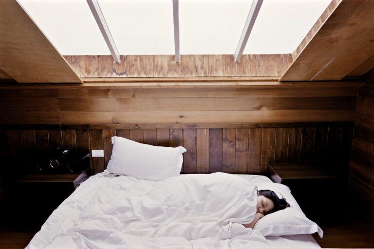 Uykuda hapşırmak mümkün mü? Uyku ve hapşırma ilişkisi